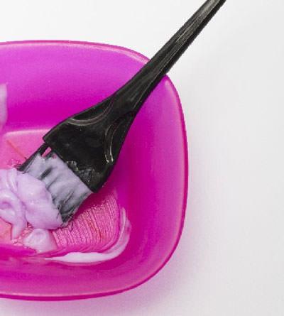 髪を染める 美容院