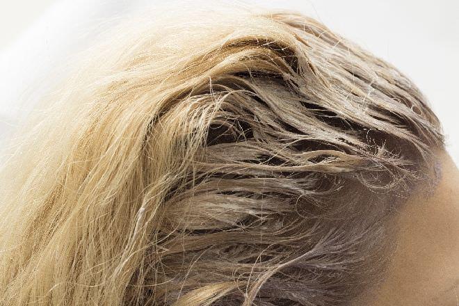 髪 染める 方法